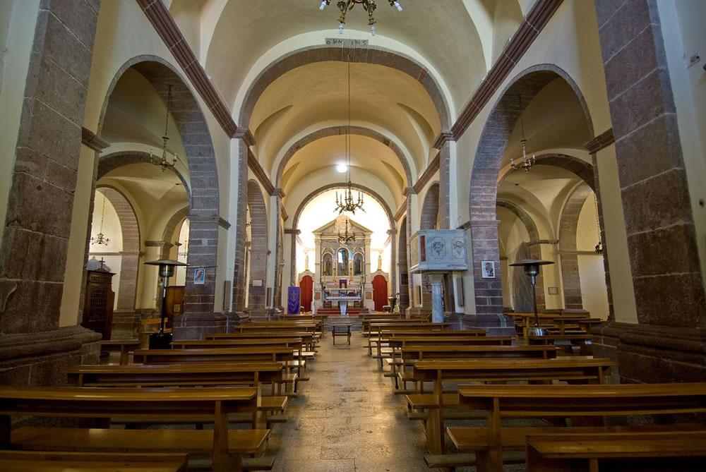 WEB_chiesa san pantaleo interno.jpg