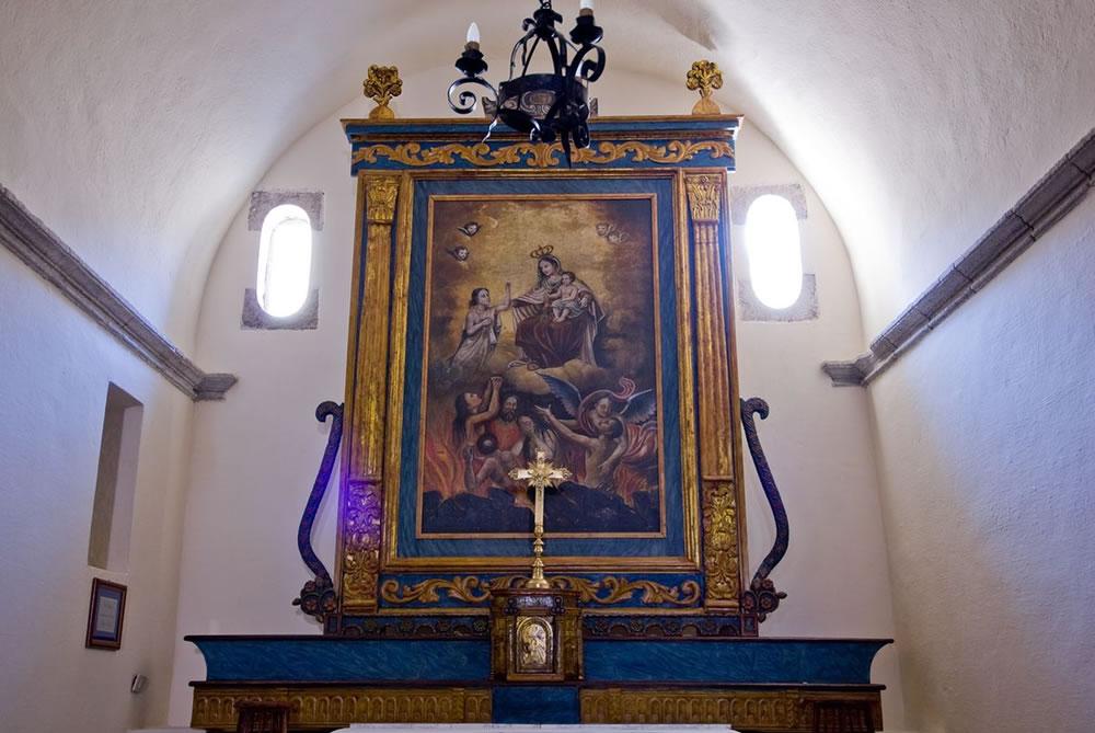 WEB_chiesa san pantaleo interno 4.jpg