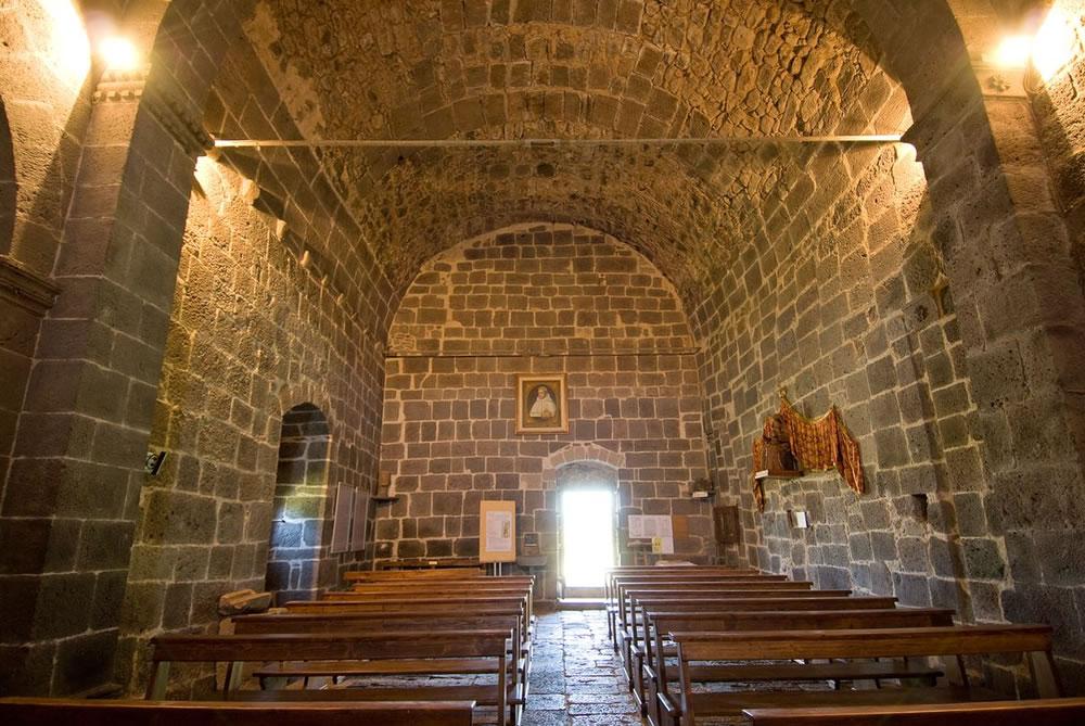 WEB_chiesa santa maria di corte sindia interno 2.jpg